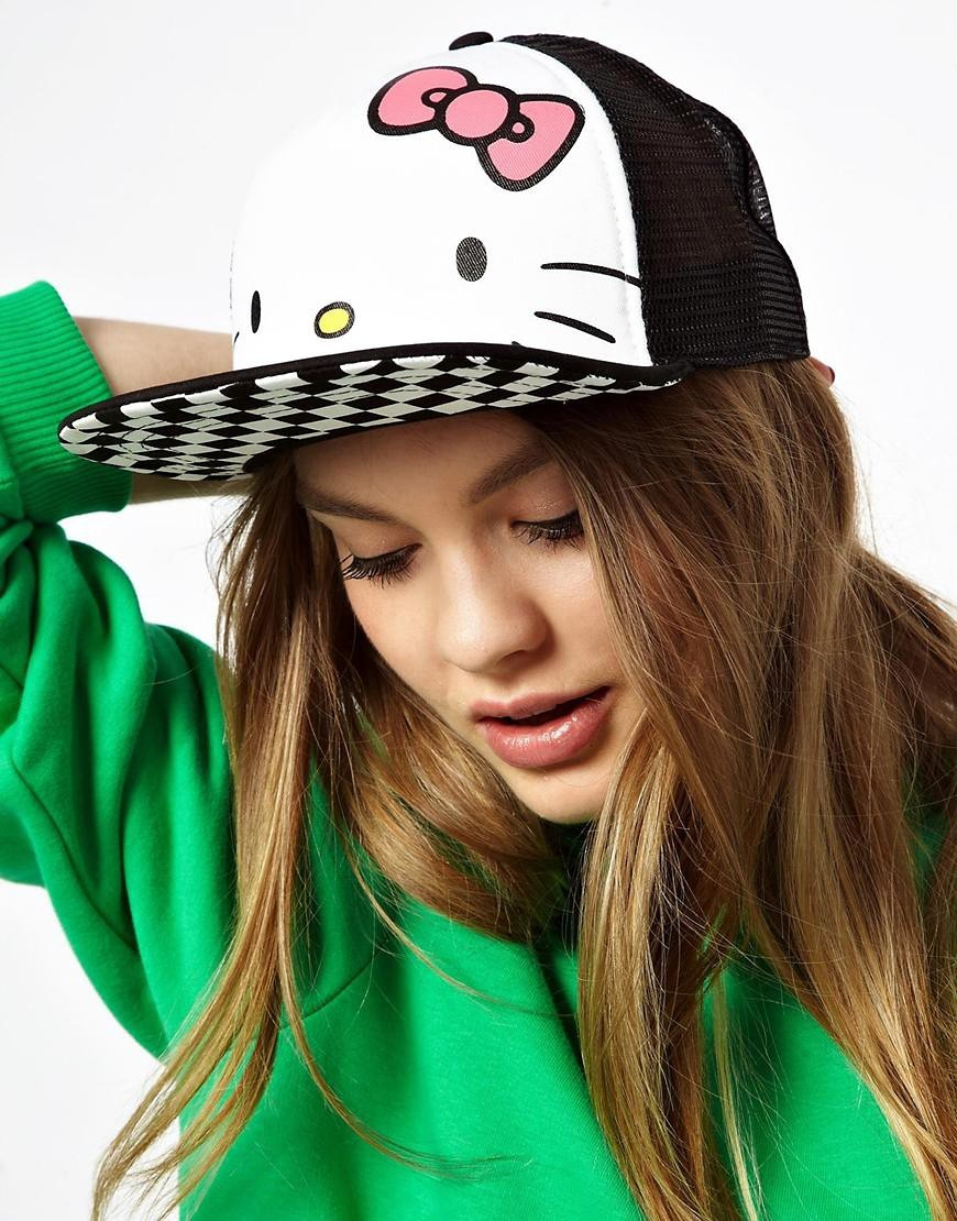 hello-kitty-trucker-cap