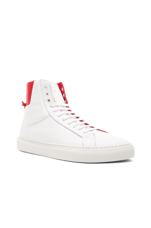 Knots High Sneaker