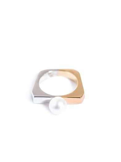 Pearl and gold-plated Full-Moon ring