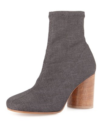 Stretch Cylinder-Heel Ankle Boot