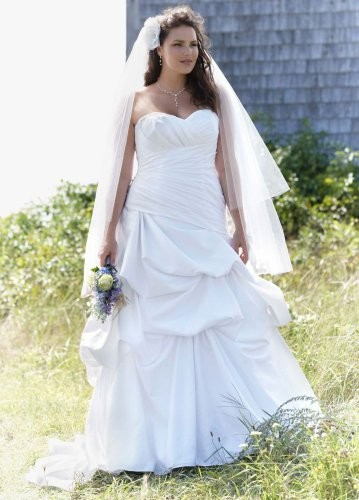 Huge Sample Sale On Plus Size Wedding Gowns Up To 71 Off Davids