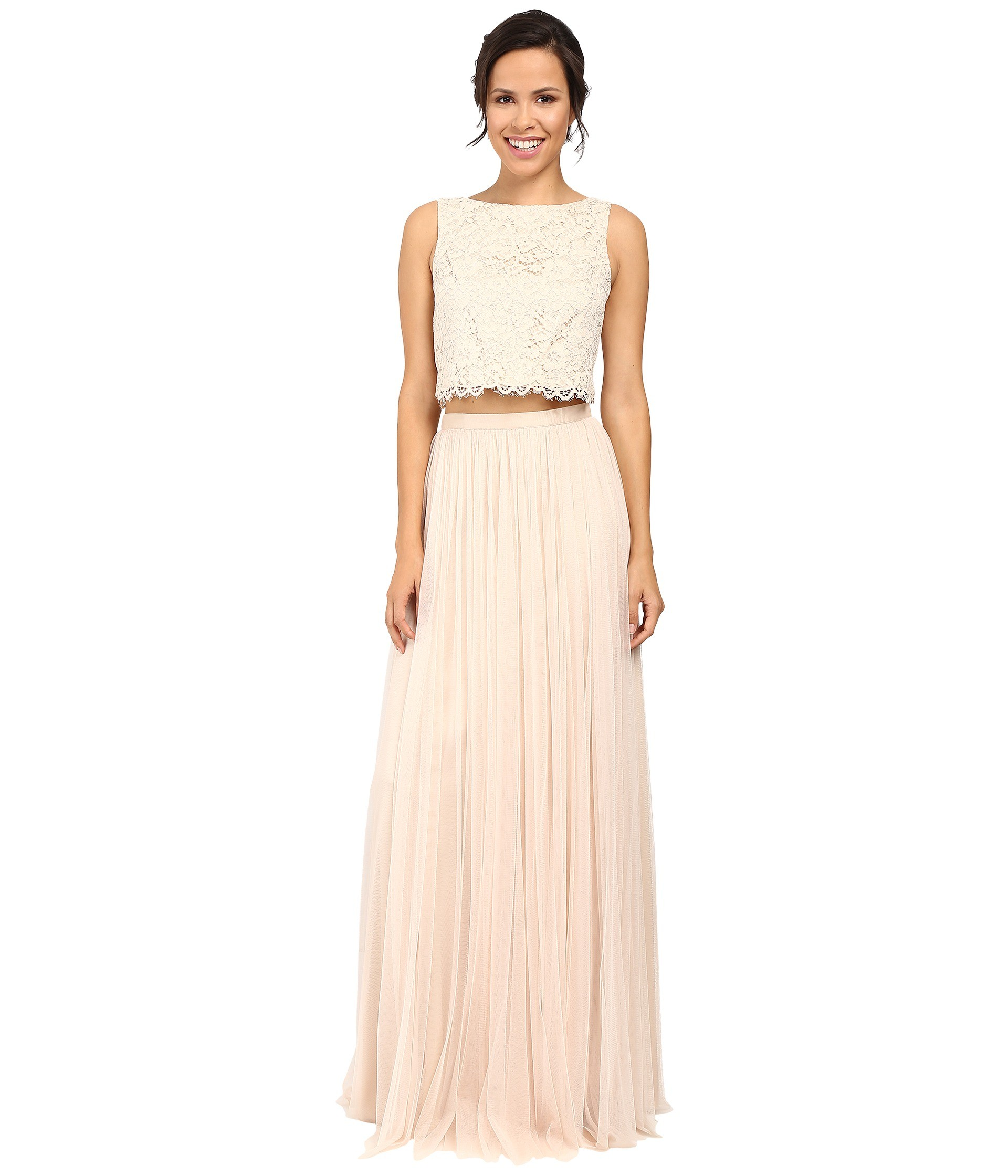 Still Looking For Gorgeous Wedding Gowns? Try These!