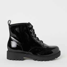 Boots with teddy lining | H&M (DE, AT, DK,  HU, NL, NO, FI, PO, SE)