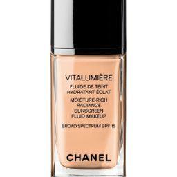 CHANEL VITALUMIÈRE Moisture-Rich Radiance Sunscreen Fluid Makeup Broad Spectrum SPF 15 | Nordstrom
