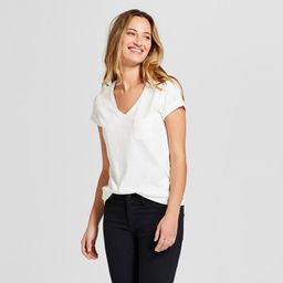 Women's Monterey Pocket V-Neck Short Sleeve T-Shirt - Universal Thread™ | Target