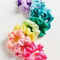 Perfect 10 Scrunchie Set   Urban Outfitters (US and RoW)