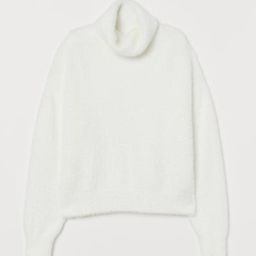 Boxy, knit turtleneck sweater in soft, fluffy chenille yarn. Dropped shoulders, long sleeves, and... | H&M (US)