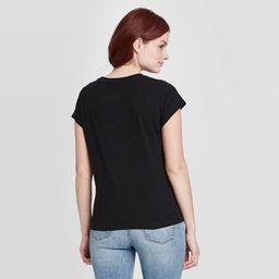 Women's Standard Fit Short Sleeve Crewneck T-Shirt - Universal Thread™ | Target