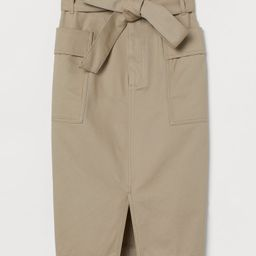 Straight-cut skirt in thick cotton twill. High paper-bag waist, zip fly with concealed hook-and-e... | H&M (US)