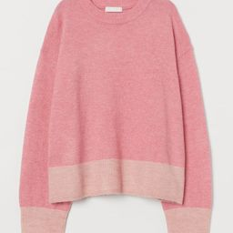 Boxy sweater in soft, knit fabric. Dropped shoulders, long sleeves, and ribbing at neckline, cuff... | H&M (US)