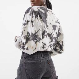 Urban Renewal Recycled Levi's Basic Denim Short    Urban Outfitters   Urban Outfitters (US and RoW)