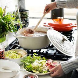 Le Creuset Cast-Iron Signature Round Dutch Oven | Williams-Sonoma