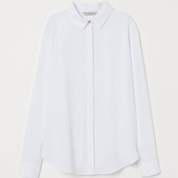 Blouse in soft woven fabric with a narrow collar, concealed buttons at front, and long sleeves wi... | H&M (US)