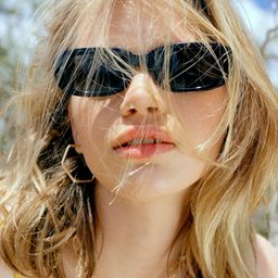 Sausalito Rectangle Sunglasses   Urban Outfitters (US and RoW)