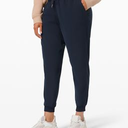 """On the Fly Jogger 28"""" Woven   Lululemon (US)"""