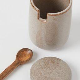 Lidded pot with a spoon | H&M (UK, IE, MY, IN, SG, PH, TW, HK, KR)