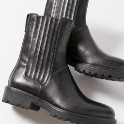 Vagabond Shoemakers Kenova Tall Chelsea Boot | Urban Outfitters (US and RoW)