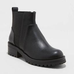 Women's Danton Pull On Chelsea Boots - Universal Thread™   Target