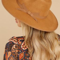 Straight Ahead Camel Hat   Red Dress