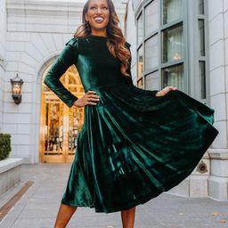 LA LA LADY DRESS IN EMERALD   Ivy City Co