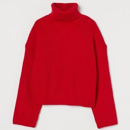 Boxy, turtleneck sweater in soft, rib-knit fabric with long, straight sleeves. Polyester content ...   H&M (US)