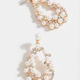 Keira Pearl Cluster Teardrop Earrings | Francesca's Collections