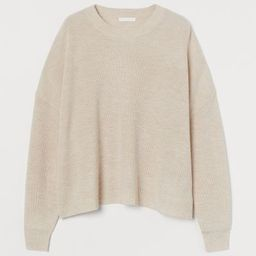 Soft, knit sweater with wool content. Round neckline, dropped shoulders, and long sleeves. Ribbin... | H&M (US)