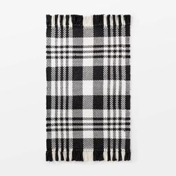 """2'1""""x3'2"""" Indoor/Outdoor Scatter Plaid Rug Black - Threshold™ designed by Studio McGee   Target"""