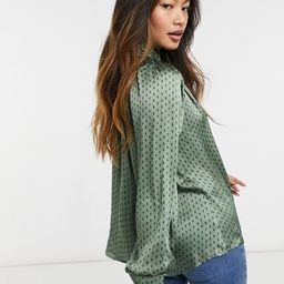 Fashion Union pussybow relaxed blouse with puff sleeves in diamond spot | ASOS (Global)