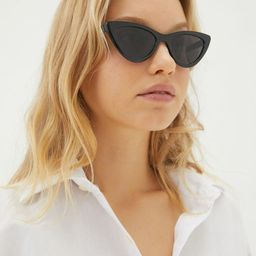Corey Cat-Eye Sunglasses | Urban Outfitters (US and RoW)