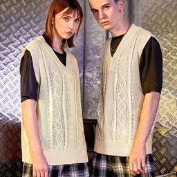 UNISEX V-neck Cable Knit Sweater Vest | SHEIN