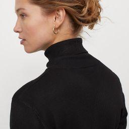 Fine-knit Turtleneck Sweater   H&M (US)