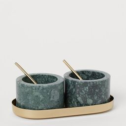 Stone salt and pepper bowls   H&M (UK, IE, MY, IN, SG, PH, TW, HK, KR)