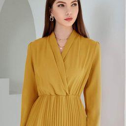 Solid Surplice Front Pleated Hem Dress   SHEIN