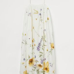 Calf-length dress in an airy weave. Gathers around the top with covered elastication at the back,...   H&M (UK, IE, MY, IN, SG, PH, TW, HK, KR)