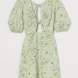Short dress in a slub weave. V-neck with a decorative knot and cut-out section front and back, an...   H&M (UK, IE, MY, IN, SG, PH, TW, HK, KR)