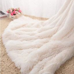 VasKinRey Kuscheldecke 200 x 230 cm Elfenbeinweiß Tagesdecke Lange Haare Flauschig Weiss Decke K... | Amazon (DE)