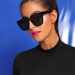 Rivet Decor Flat Lens Sunglasses With Case   SHEIN