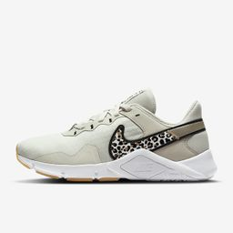 Nike Legend Essential 2 Premium   Nike (US)
