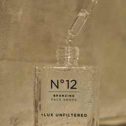 No12                              Bronzing Face Drops                          30 ml / 1 fl oz   +Lux Unfiltered