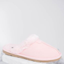 Homeward Bound Pink Slippers | The Mint Julep Boutique