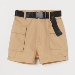 Utility-Shorts mit Gürtel | H&M (DE, AT, DK,  HU, NL, NO, FI, PO, SE)