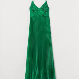 Pleated dress | H&M (UK, IE, MY, IN, SG, PH, TW, HK, KR)