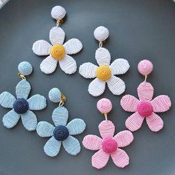 Daisy silk flower earrings,white yellow navy blue pink black Les Bonbon,clip on earrings,Silk wra... | Etsy (US)