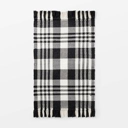 """2'1""""x3'2"""" Indoor/Outdoor Scatter Plaid Rug Black - Threshold™ designed with Studio McGee   Target"""