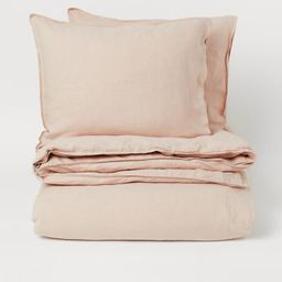 King/queen duvet cover set in washed, woven linen fabric with double-stitched edges. Duvet cover ...   H&M (US)