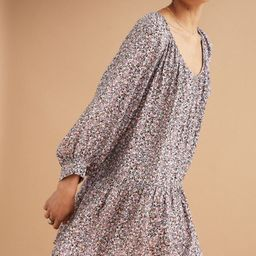 Knee-length dress in airy, woven fabric. Gathered V-neck, wide, 3/4-length raglan sleeves with wi...   H&M (US)