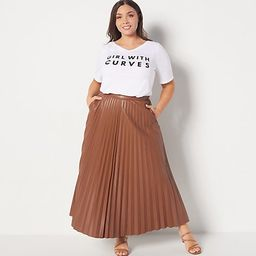 Girl With Curves Screen Print V-Neck T-Shirt | QVC