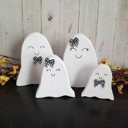 Halloween ghost decor, farmhouse Halloween sign, tiered tray halloween signs, Halloween tray sign...   Etsy (US)