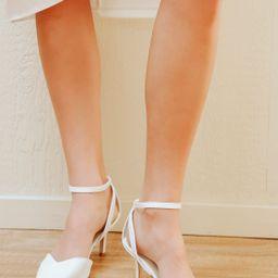 Scenaa White Crocodile Pointed-Toe Ankle-Strap Pumps | Lulus (US)